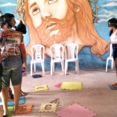 """Com """"Dinâmica das Ilhas"""", adolescentes abordam inclusão em atividade no Projeto ELO de Saberes"""